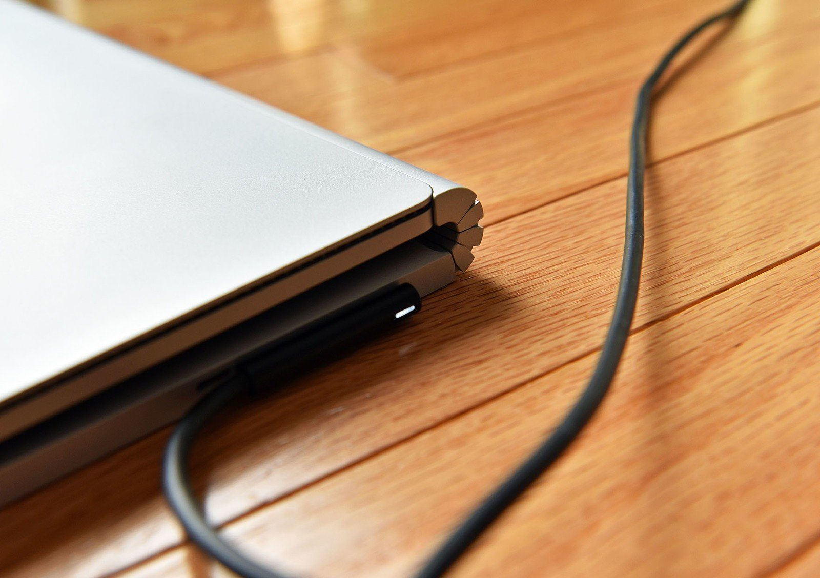 What Happens If You Always Leave Your Laptop Plugged Into The Power Supply